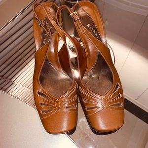 Gianni Bini honey color shoes